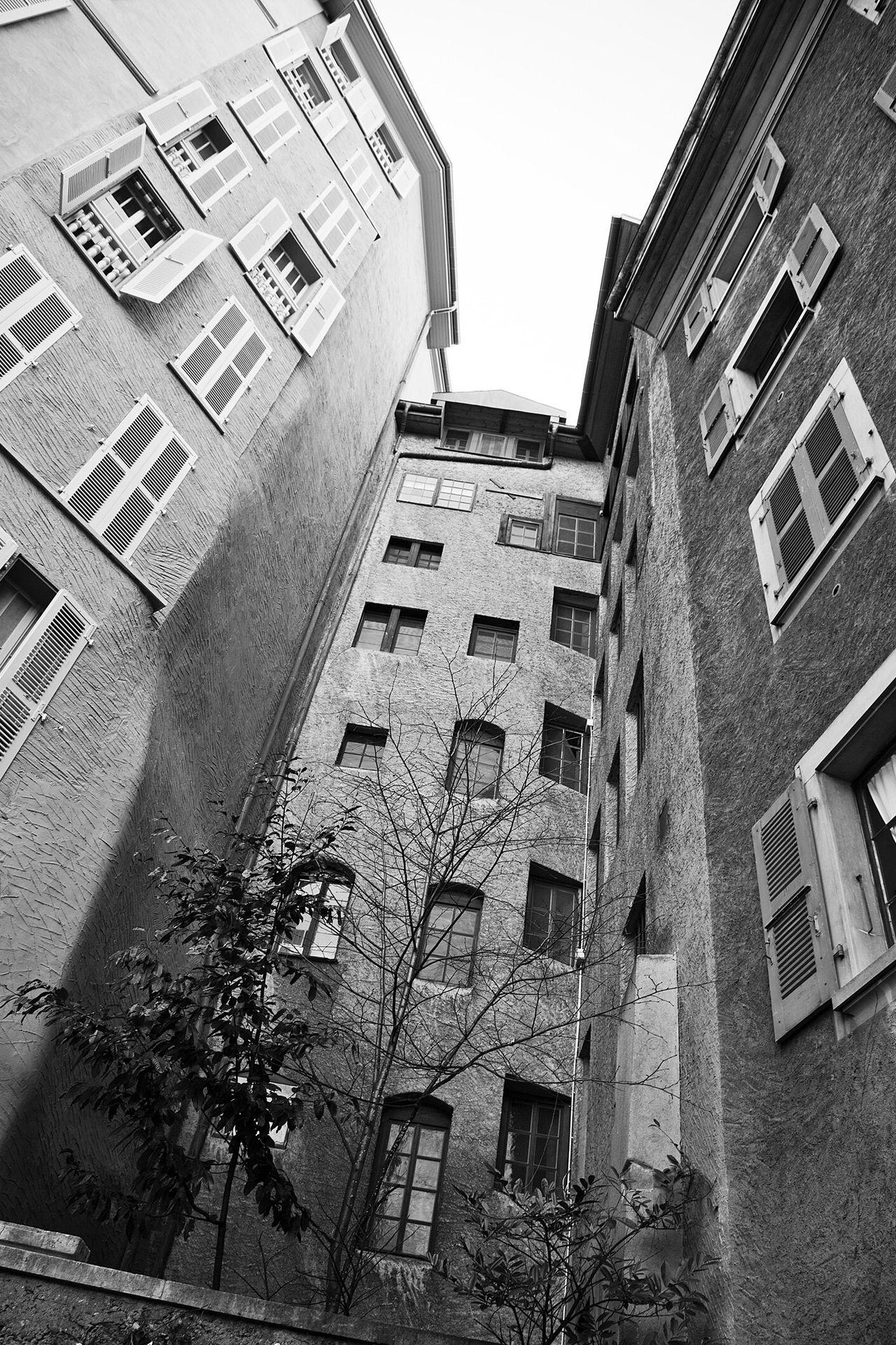 B&w Street Photography Geneva Geneve Oldtown Streetphotography