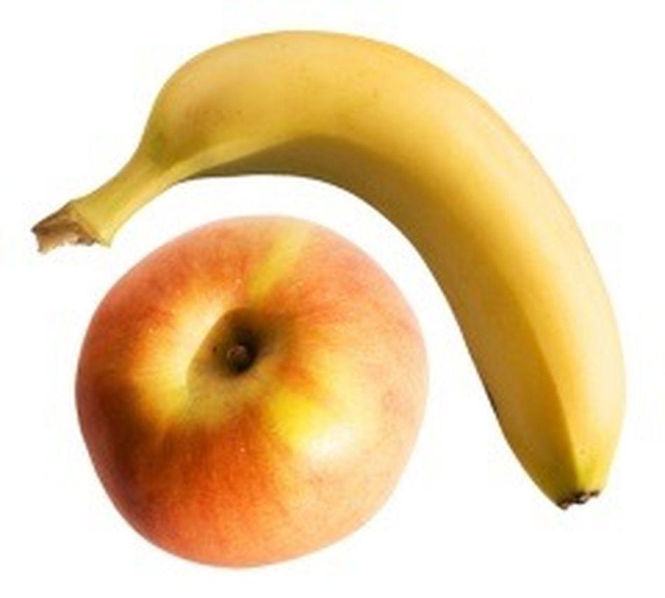 22.30-захотелось фруктов 🙄🙄🙄 съела половину банана и одно зеленое 🍏🍏🍏. Не знаю даж как это назвать, ночной зажор ?🤔🤔🤔 пп