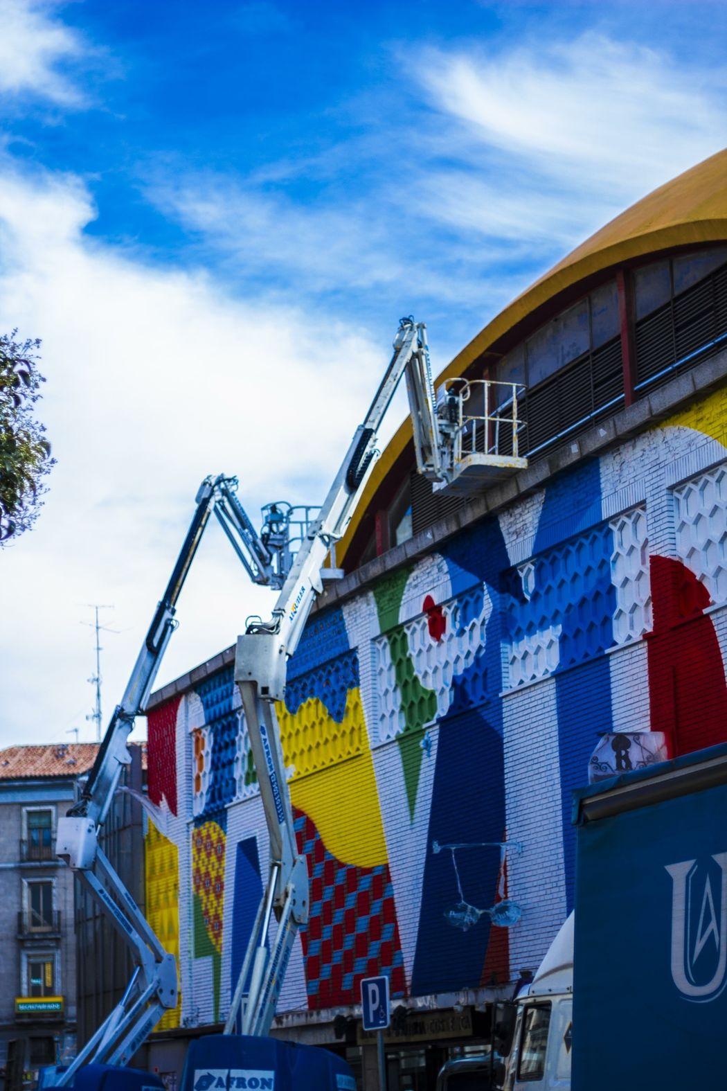 Mercado de la cebada , Madrid , esto fue coloreado en octubre por el grupo Boamistura Otherlevel
