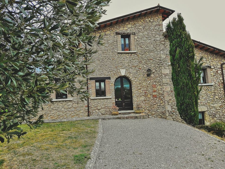 Once upon a time... Building Exterior Architecture Built Structure No People Outdoors Entrance Day Low Angle View Close-up Weekend Fun EyeEmNewHere Travel Photography Tranquility PhonePhotography Loveit Rieti Agriturism Agricultural Building Birthdayparty Wow Shot Beautiful Day Mountain Nature Wow That's So Cool !! Restaurant EyeEmNewHere EyeEmNewHere EyeEmNewHere