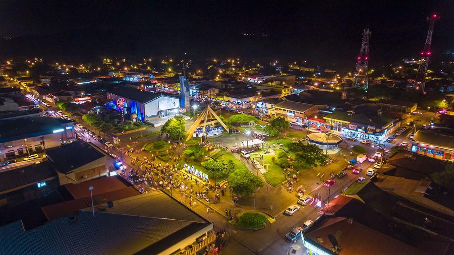 Fotografía de 1 seg de exposición tomada con phantom 4 en el centro del pueblo de cañas guanacaste Costa Rica Drone  Guanacaste  Mobility In Mega Cities Nightphotography City Cityscape Dronephotography Droneshot High Angle View Illuminated Long Exposure