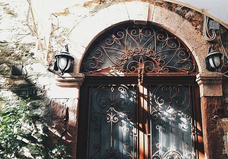 Ισως το φως ναναι μια νεα τυραννια.... Ποιος ξερει τι καινουργια πραγματα θα δειξει.... Κωνσταντινος Καβαφης.... Instanafplio Vscogram VSCO Vscogood Vscogood Instagood Instalifo Popagandagr Athensvibe Athensvoice Photocontestgr Photo_thinkers Photooftheday Instafrapress Streetdreamsmag Streetphotography Ig_today Abandoned_greece Mysteriousgreece Greecetravelgr1_ Liveauthentic Yanggr Wu_greece Vintage_greece Whyathens greecelover_gr greek_panorama urban_greece people_and_world mysticpeople