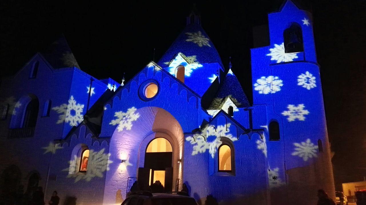Church Alberobellophotocontest Creative Light And Shadow Christmas Lights Christmas Time