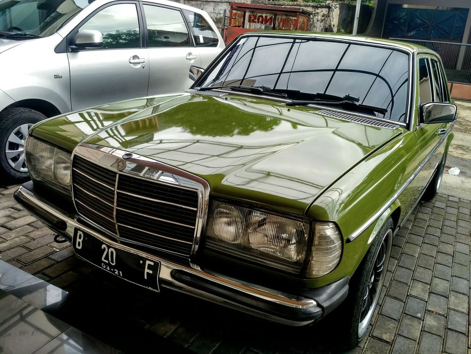 Car Transportation Land Vehicle Mode Of Transport No People Outdoors Water Day Mercedes-Benz Classic Car Classic Elegance Classy EyeEm Indonesia Old Car Old School Collector's Car Not My Car  Sumedang Jawa Barat