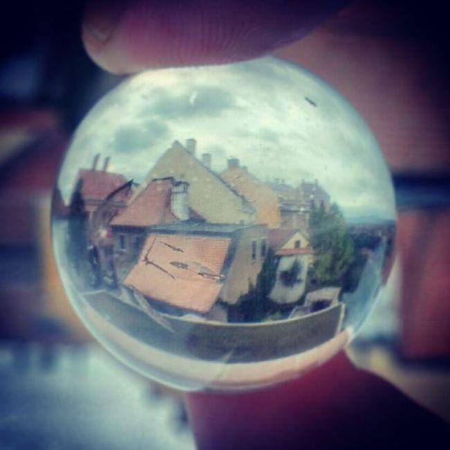 Kis világ... üveggolyó