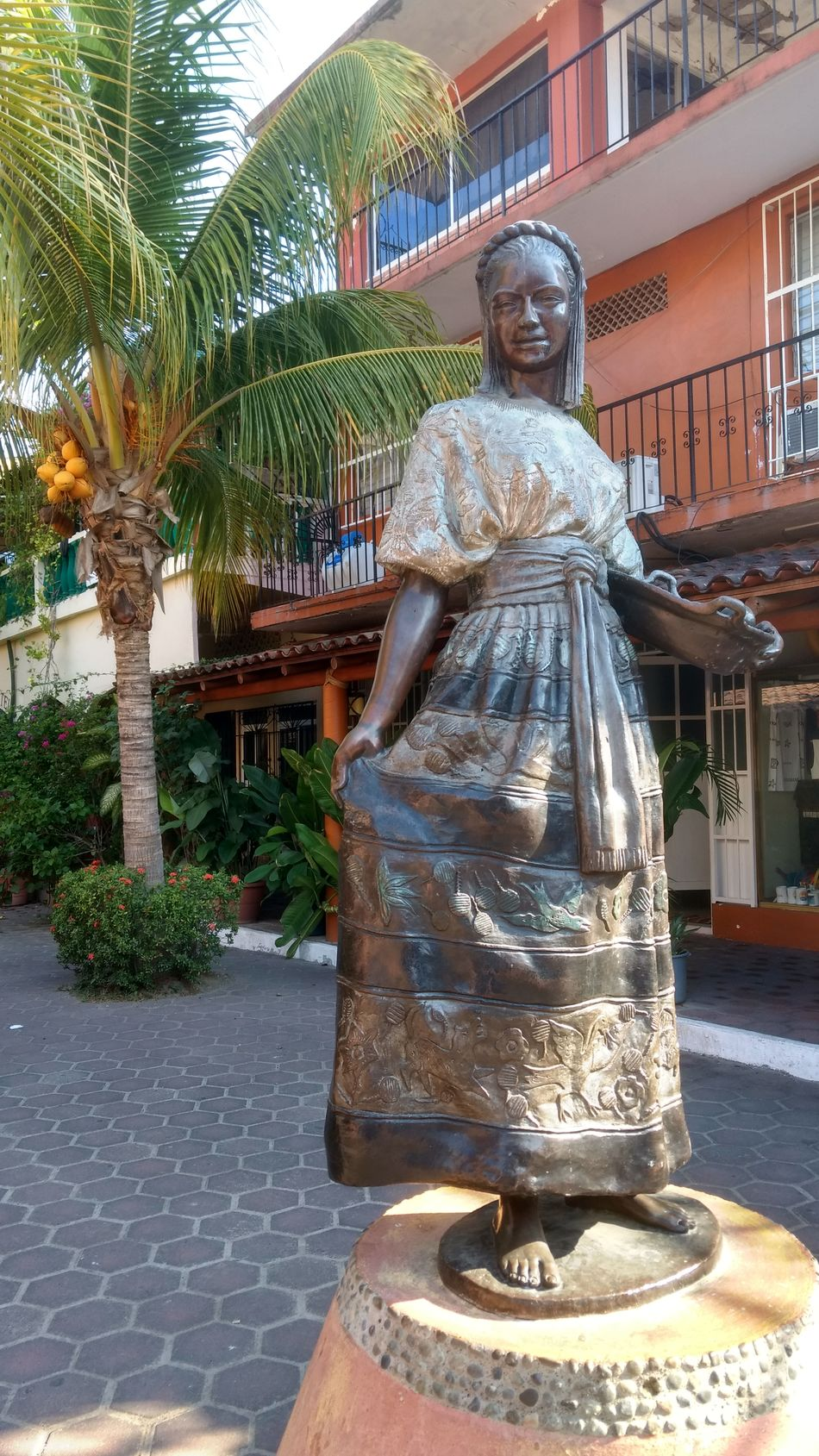 Day EyeEmNewHere Gaze Mexico Morning Light No People Outdoors Palm Tree Sculpture Statue Statue Traditional Tree Zihuatanejo