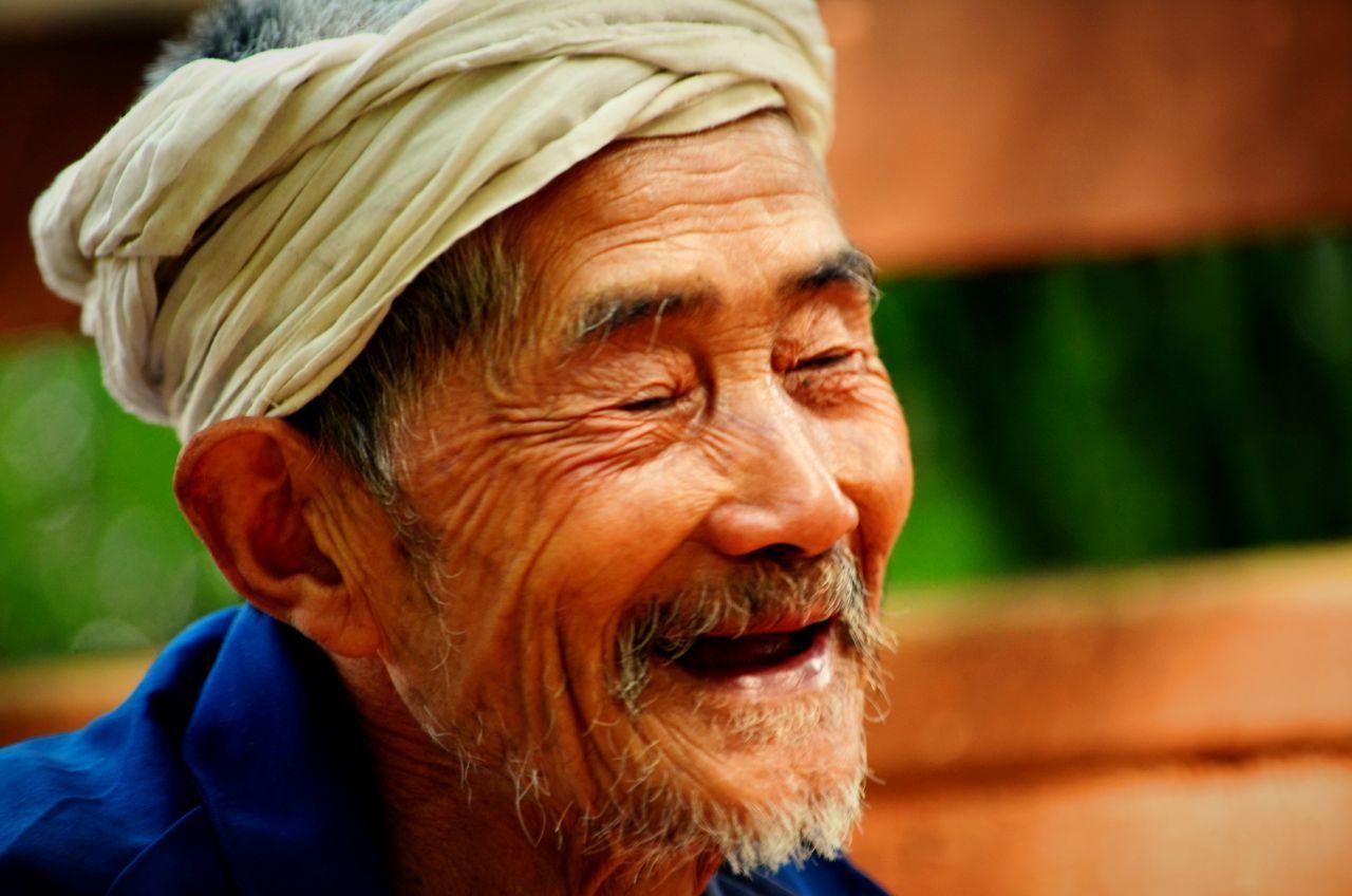 Loughing Oldman