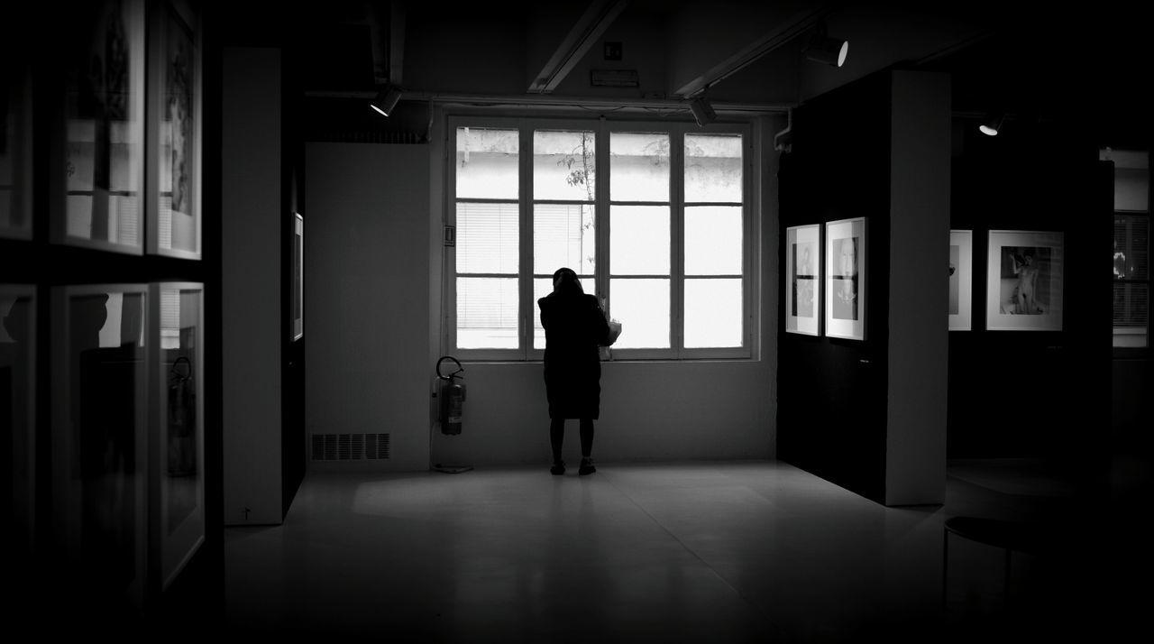Day Adult NobuyoshiAraki One Person Leicacamera Carla Sozzani Gallery Milano Italy Black Blackandwhite Blackandwhite Photography Shooting Life Streetphotography People Watching