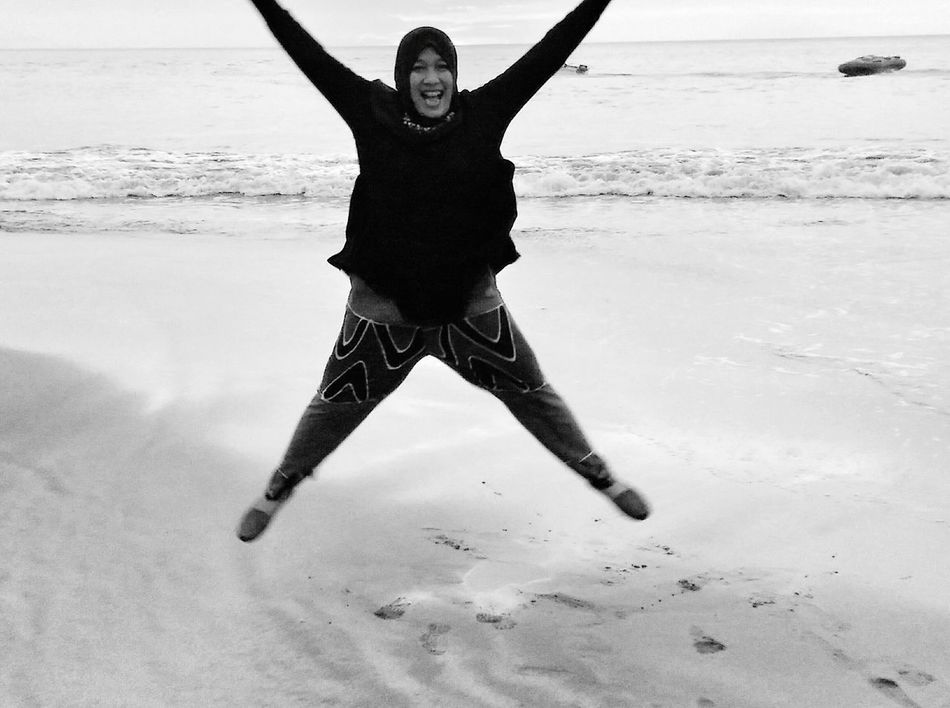 That's Me Ekspresi Enjoying Life Capture The Moment Around You Hello World Eyeemphotography Taking Photos Feel The Journey Still Life Ocean Photography Anyerbeach Indonesia_photography