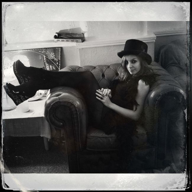 Portrait of Layla on my couch WeAreJuxt.com AMPt_community NEM Memories Shootermag