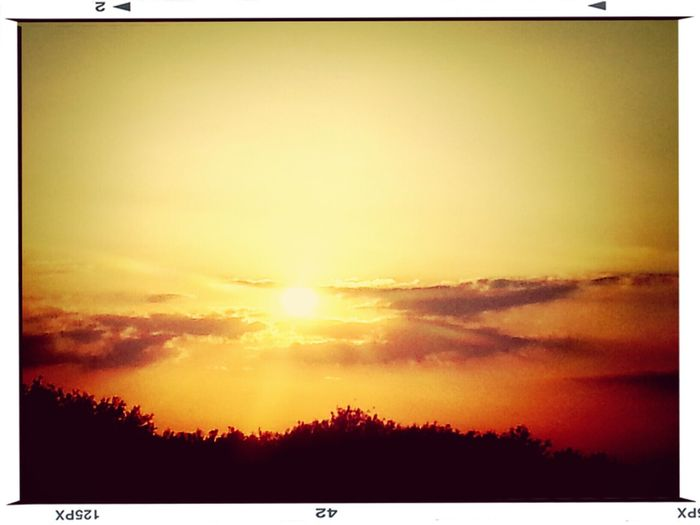 Beautiful Sunset♥♥Good Evening EyeEm Taking Photos Chilling :) Thinking Of Someone. :-(