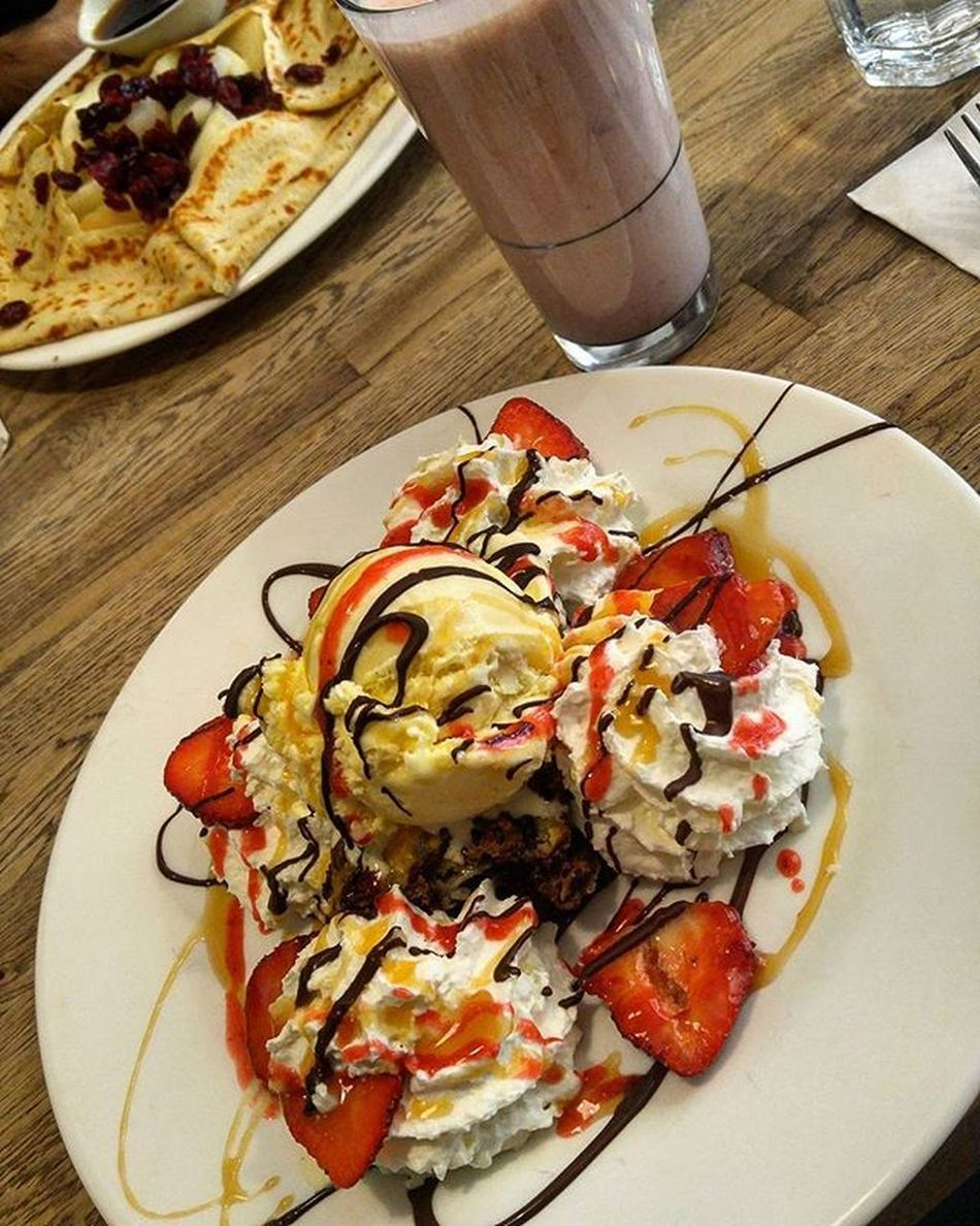 Volcano Volcano Cacao70 Food Love Icecream Drink Design Photo Photography Amazing Beautiful MTL Montréal Colour Crepe Brownie Inlive Sunny Travel