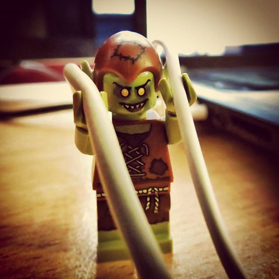 """""""I am the keeper of the cables! Mwahahaha..."""" He's also responsible for tying the ridiculously intricate knots in headphone cords when they're left in pockets. Legophotography LEGO Minfigures Goblin Brickify Womenintoyphotography"""