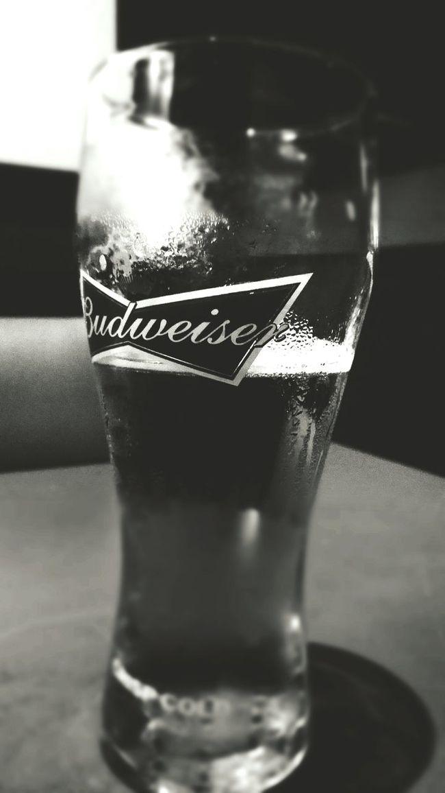 Chillaxing Selective Focus Budweiser Beer Food And Drink Beerstagram Beergeek Freshness