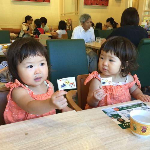 Twins Sisters 双子 姉妹 可愛 Girls 孪生姐妹 ฝาแฝด 姪の子供は双子姉妹。