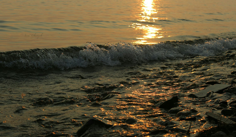 Байкальские волны на закате. Water Beach Beauty In Nature Nature Day Tourism Orange Color Baikal