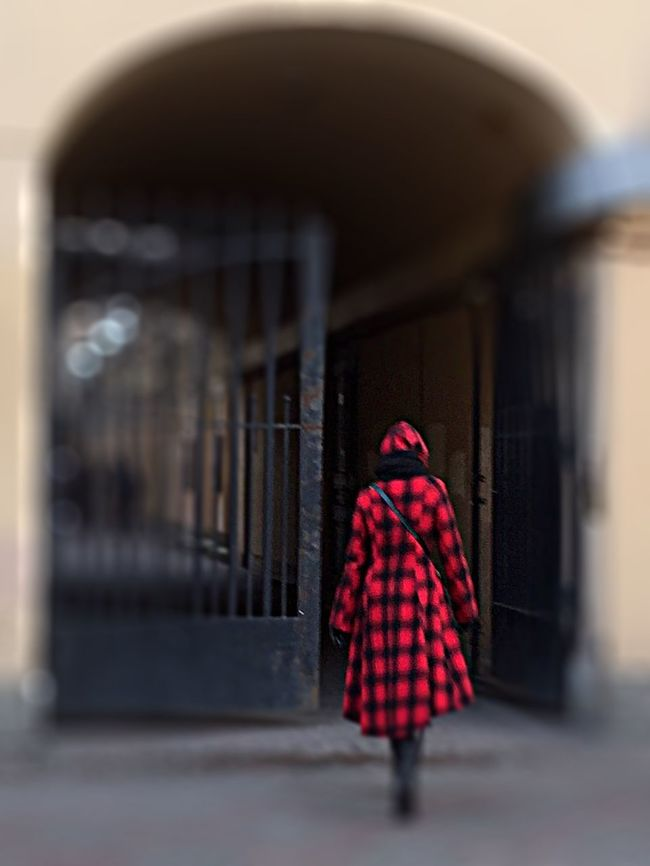 Walking In The City Street Photography Urban Exploration Gates Lonely Figure Early Winter People Photography EyeEm Gallery Eye4photography