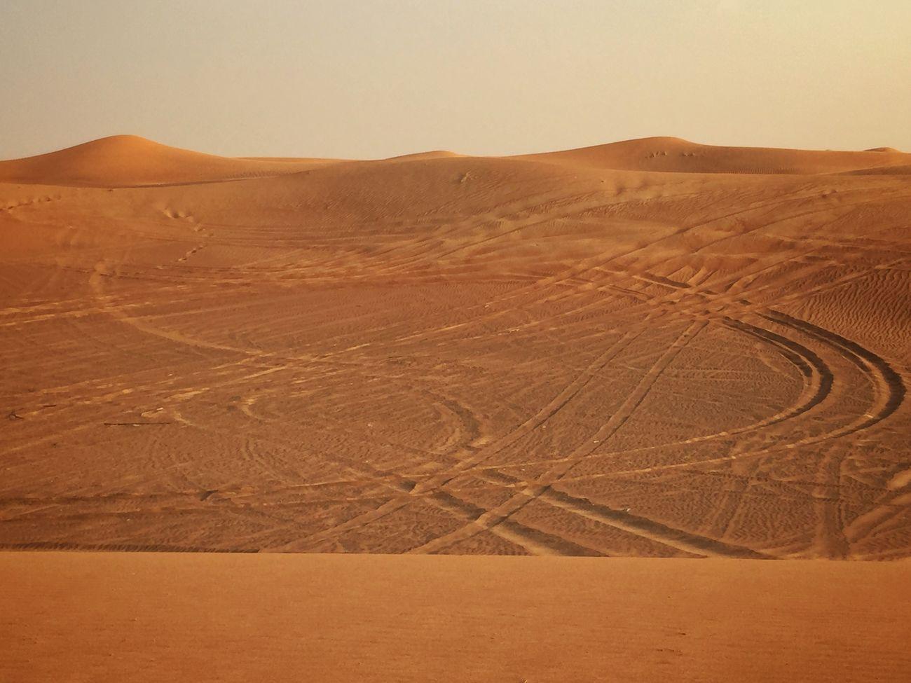 Deserts Around The World Desert Beauty Desertsafari Desert Track Beautiful Creation Dubai Desert