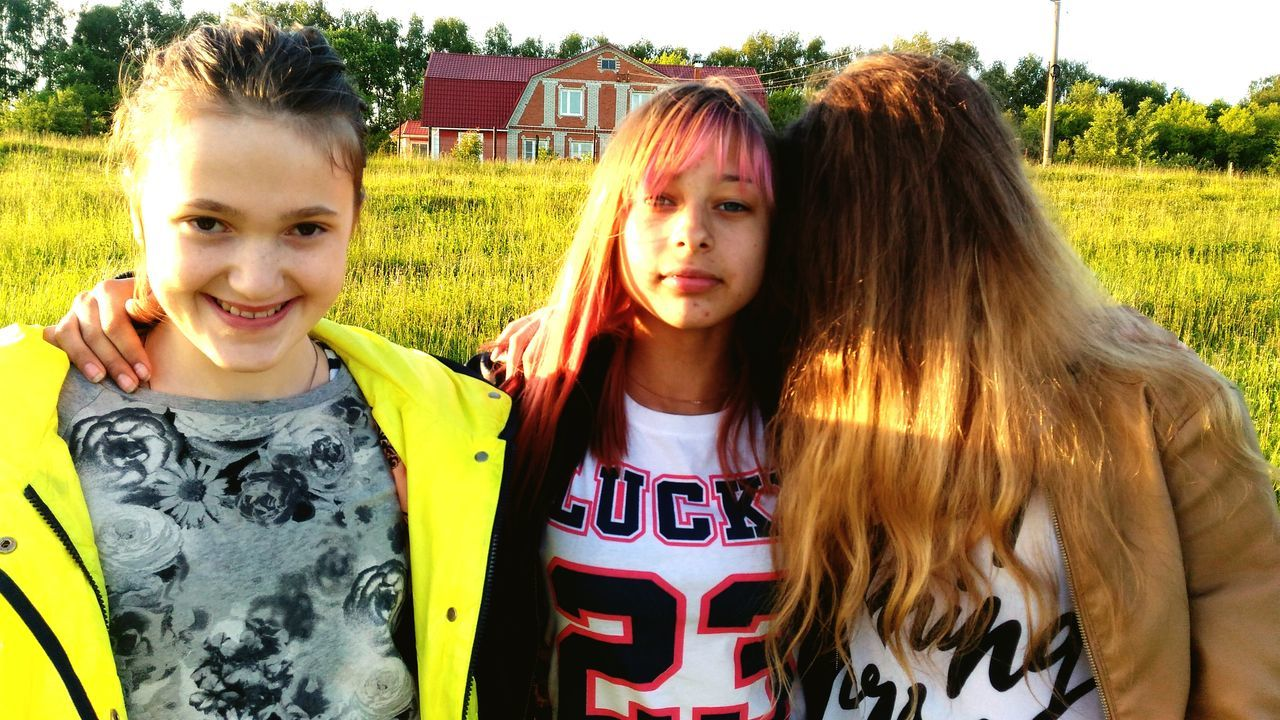 3 Girls 3 People Beautiful Girls  My Friends And Me Field Summer Moscow Sun Day