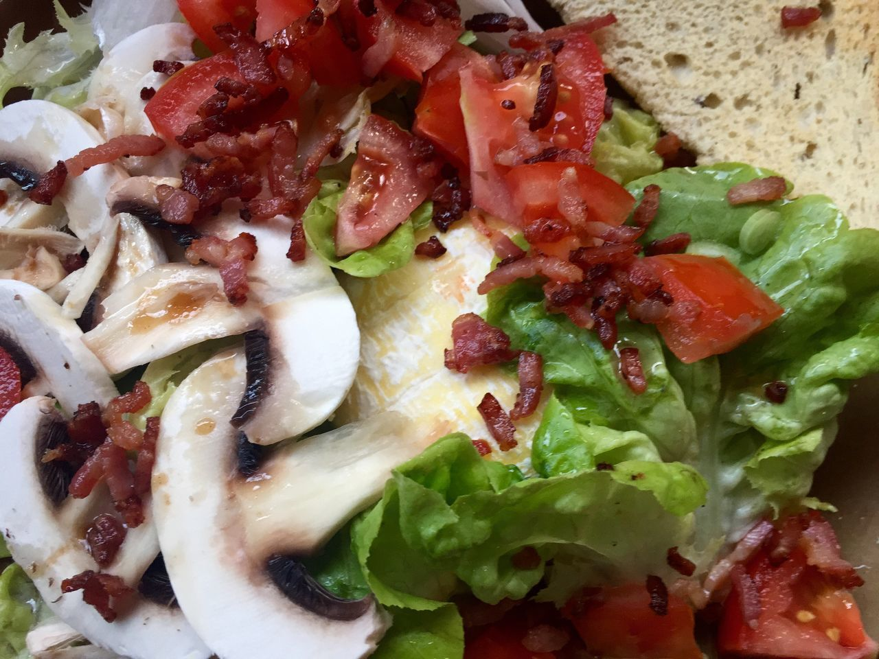 Salad Mushrooms Tomatoes Diced Bacon Goatcheese