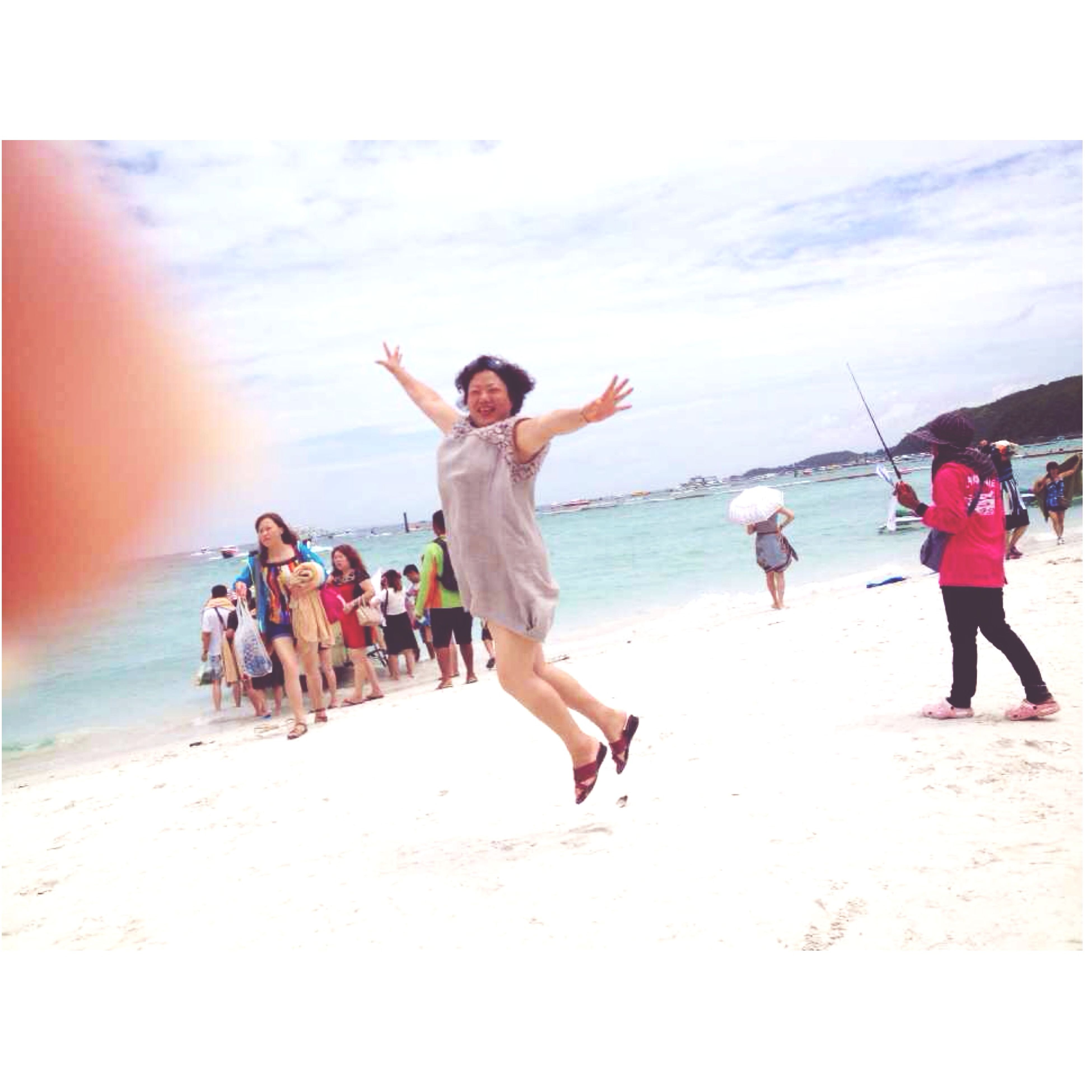 full length, mid-air, leisure activity, lifestyles, jumping, sky, fun, men, skill, sea, enjoyment, flying, vitality, water, motion, balance, side view, extreme sports