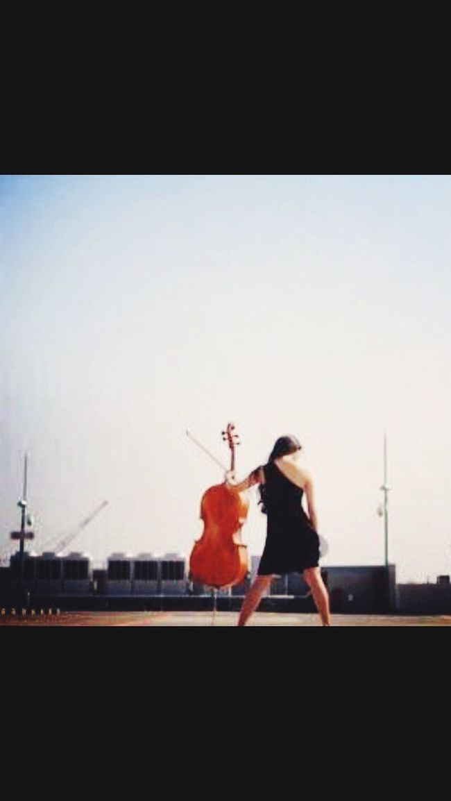 Hi! Artist Cello Musician That's Me Check This Out Enjoying Life Taking Photos Phoyooftheday New York Hello World Cheese! Streetphotography Dress DFV High Heels