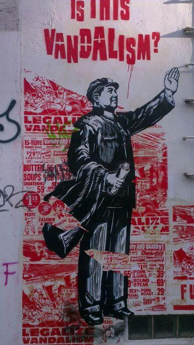 Streetart City Life Hamburg Front View Wall Urban Schablone ArtWork