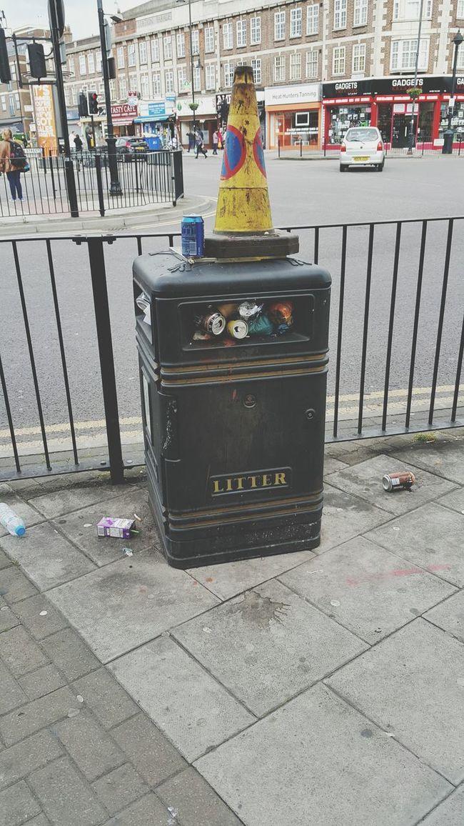 Bin Dustbin Trash Garbage Refuse Polution Pollution Polluted Dirt Dirty Dirty Road Romford London