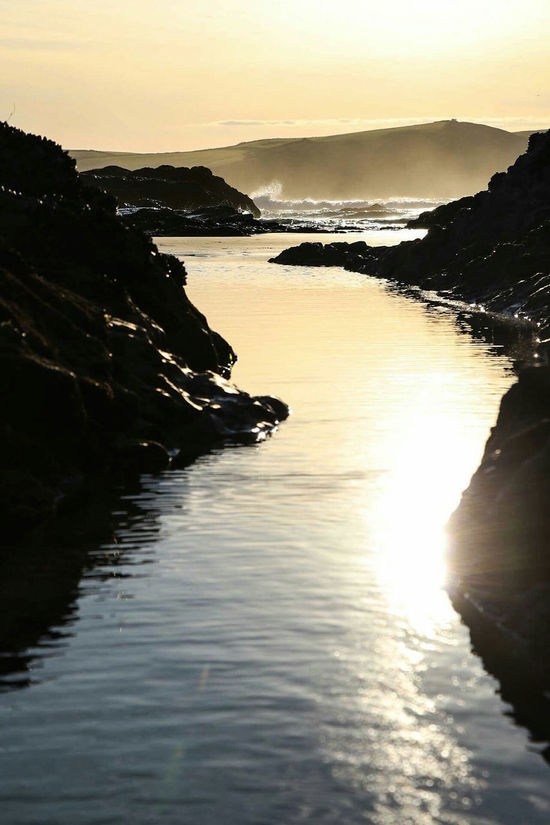 Water Sunset Tranquil Scene Scenics Tranquility Sun Sea Beauty In Nature Sunlight Reflection Idyllic Sunbeam Nature Sky Coastline Waterfront Atmospheric Mood Mountain Atmosphere River Ladyphotographerofthemonth Cornwall Femalephotographerofthemonth Beach Shore
