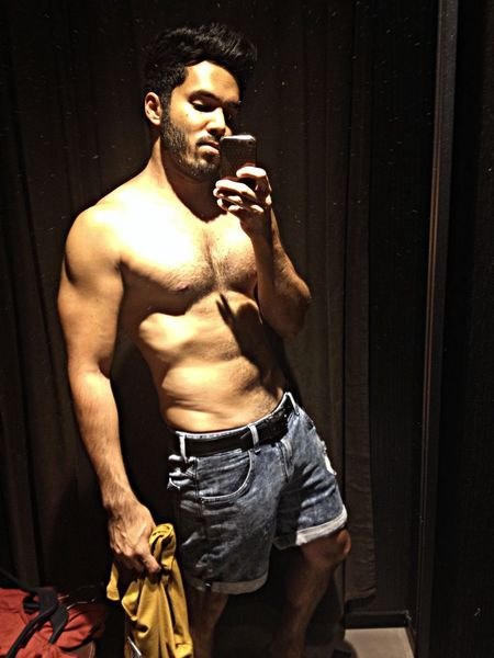 Male Body Fitting Room Muscles gay