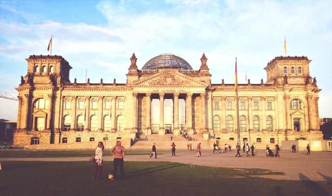 Sightseeing at Reichstag by Melissa Law