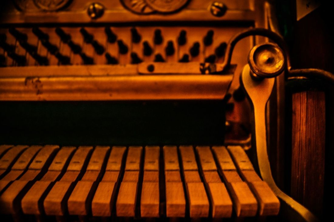 Rubsteins Buenos Aires In The Studio Inanimate Objets D'Art Piano Time 80's Music Rubinstein Piano Keys