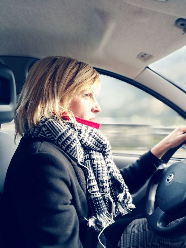 Faster then the Fast Mama ♥ Family❤ Familytime👪👧👨👩 FAMILIA♥ Pictureoftheday Popular PhotosWinter Colddays Cold Winter ❄⛄ Cold Scarf ❄✌ Beauty Woman Car Drive Fasterthenthewind Wind Winter Jenuary Like