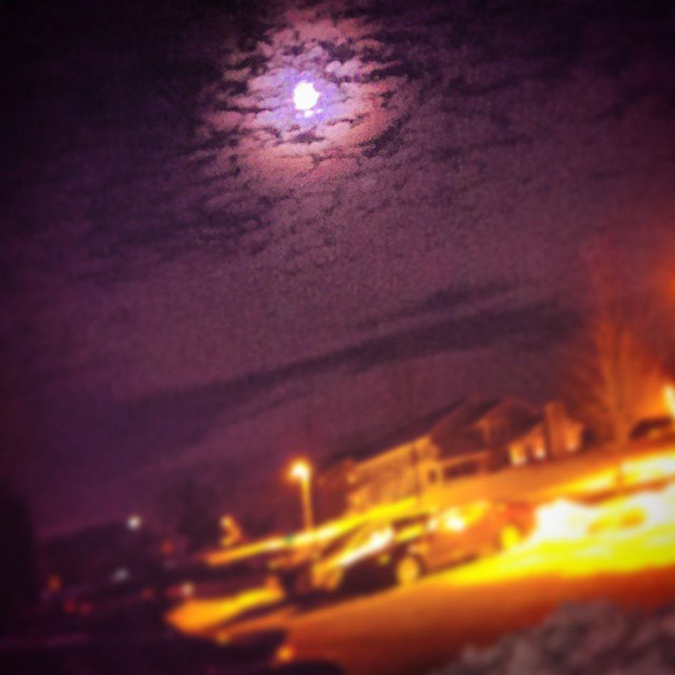 Give in to the full moons spell, and let go of self. Pennsylvania Igerspennsylvania Ig_pennsylvania Eastcoast dubc