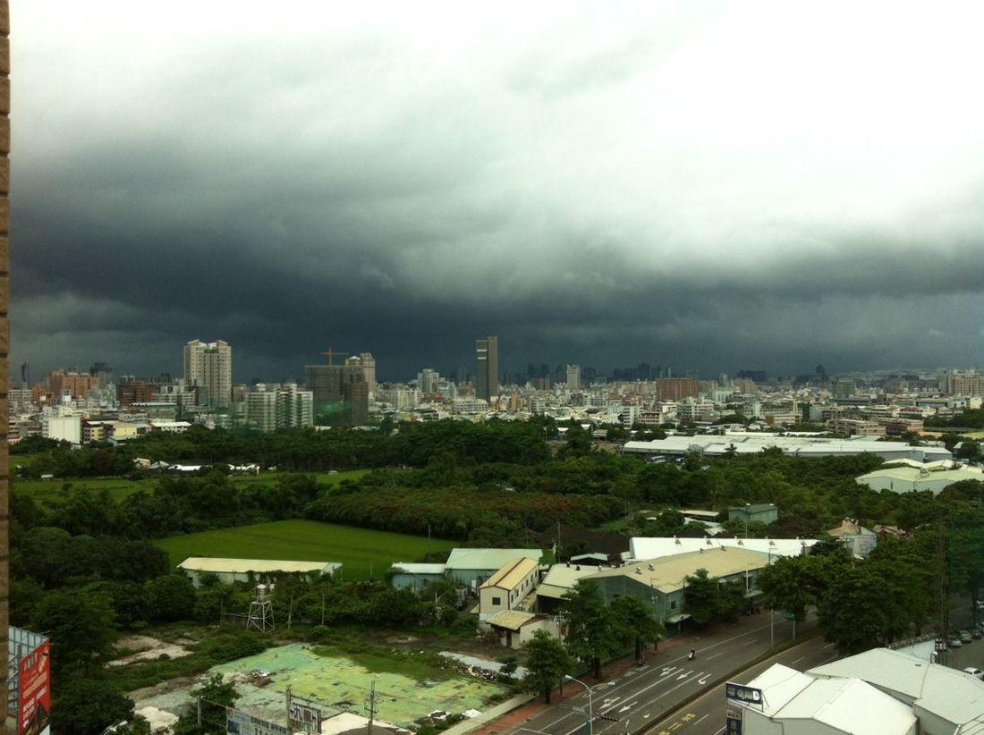 準備下大雨囉。