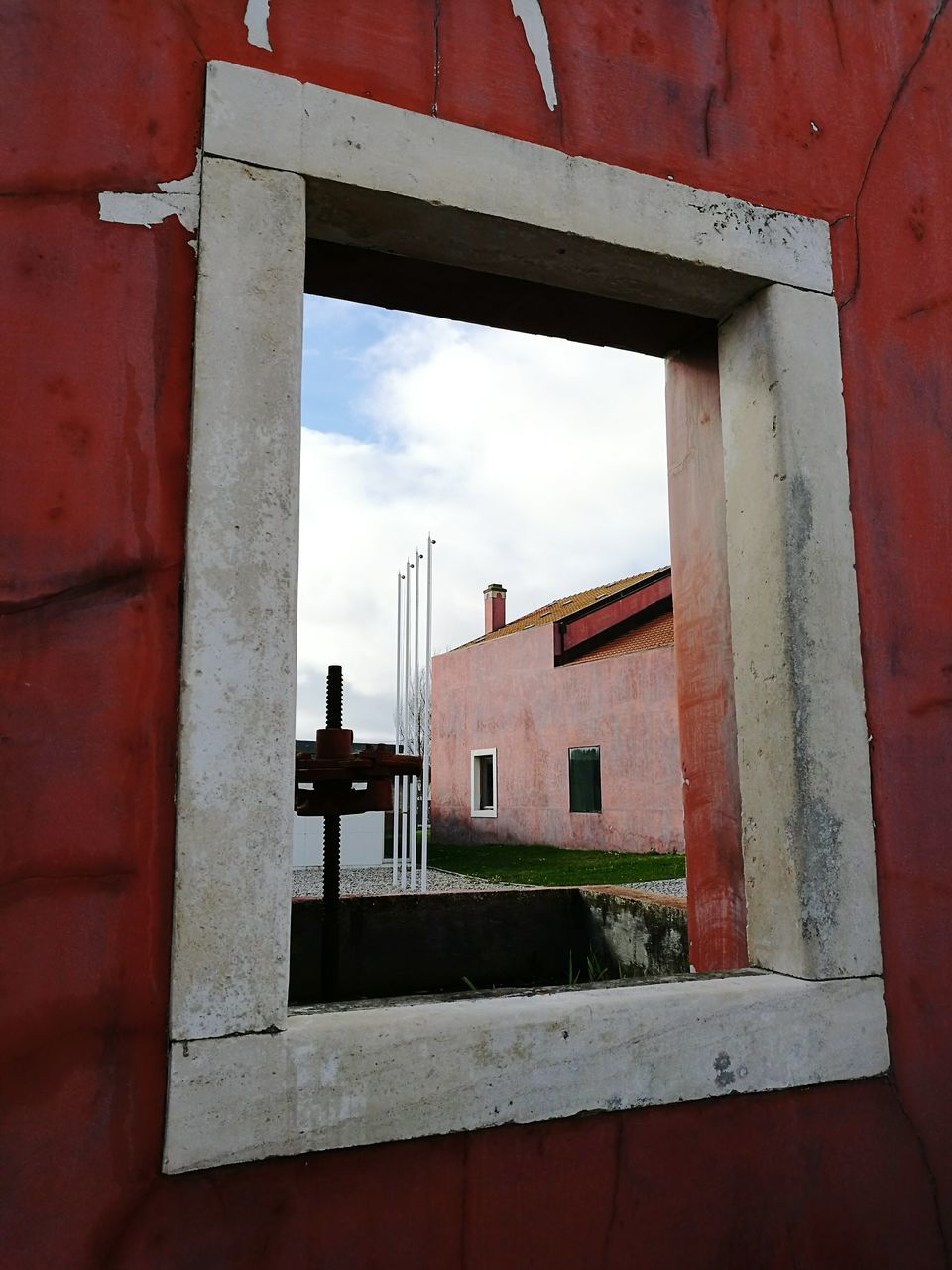 architecture, window, built structure, building exterior, red, day, no people, outdoors, sky, close-up