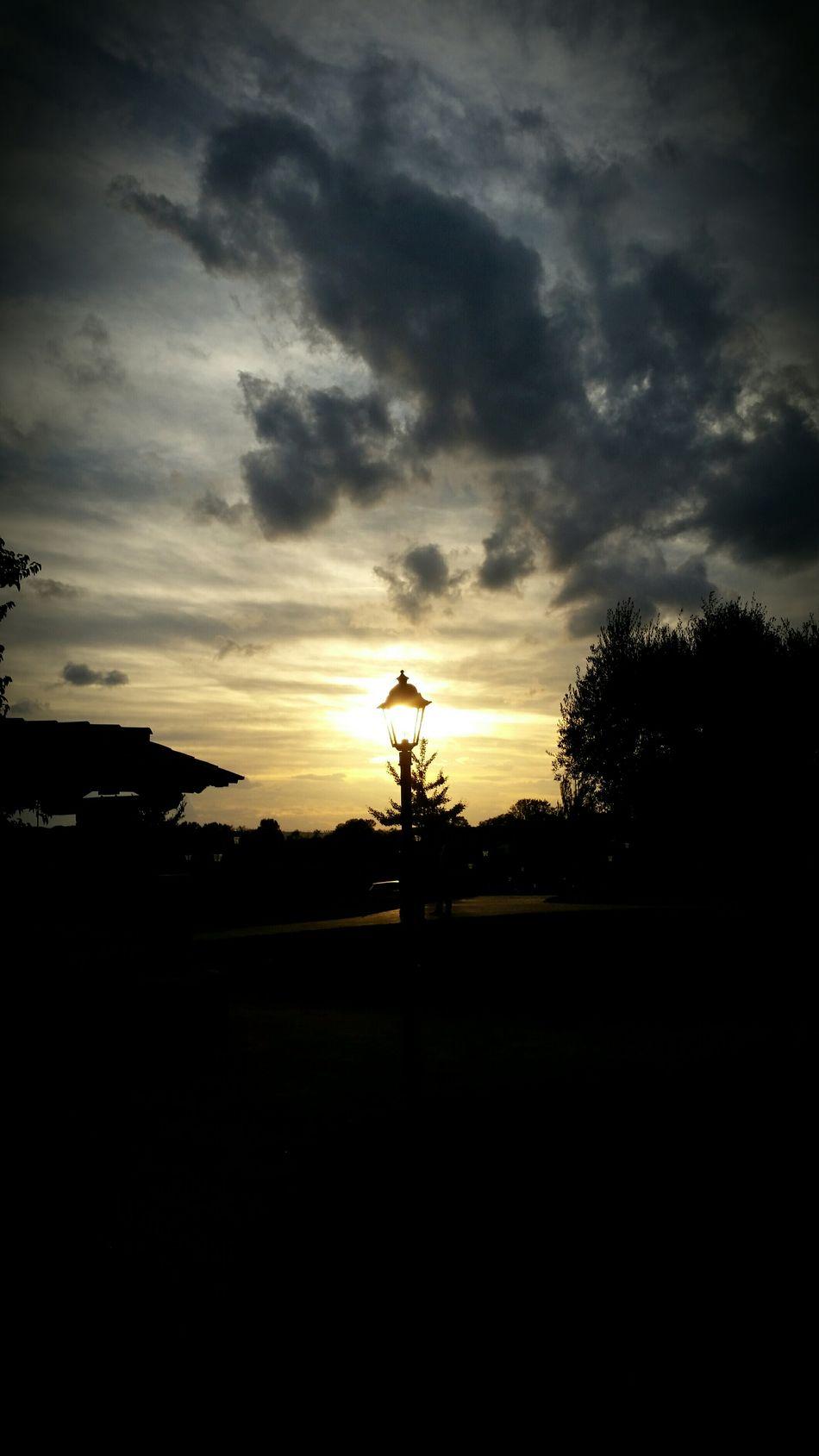 Enjoying The Sun Sunset_captures Eyeem Best Shots - Silhouette Beautiful Sunset Peace And Quiet EyeEm Best Shots - Sunsets + Sunrise EyeEm Best Shots Sunset Light Popular Photo Sunsetlover