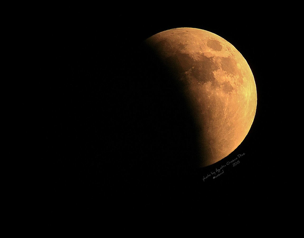 Mega Luna de sangre. Es maravilloso poder presenciar este espectaculo. Photo By Agustín Orozco Díaz - 2015 Eclipse Lunar 27 de Septiembre del 2015