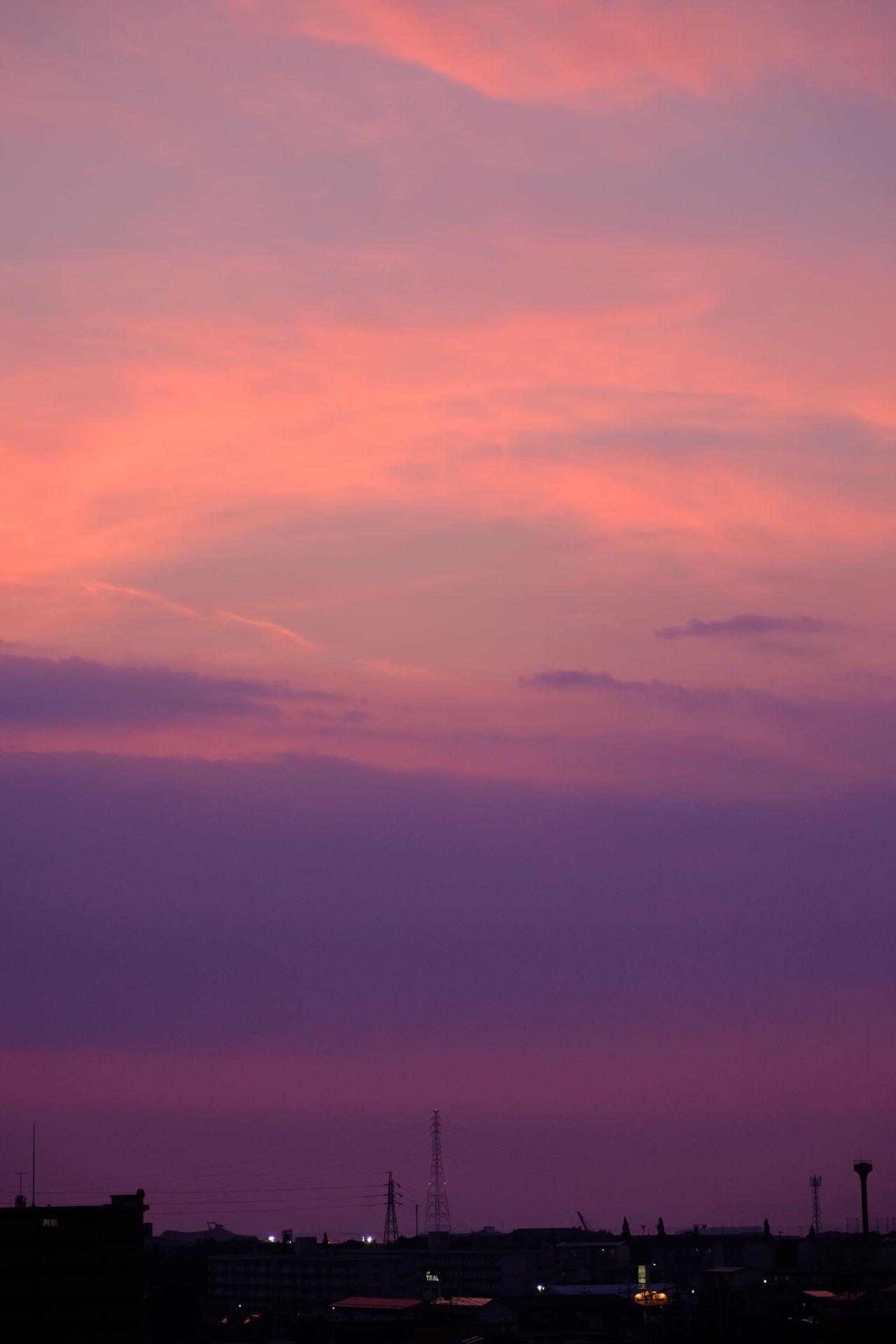 赤くなる時間 Sunset Evening Evening Sky Architecture City Sky Cityscape Building Exterior Built Structure Cloud - Sky No People Outdoors Urban Skyline Skyscraper Nature EyeEm EyeEm Gallery Beauty In Nature Cloud Sun Fujifilm X-E2 Fujifilm_xseries Clouds And Sky Sunset_collection