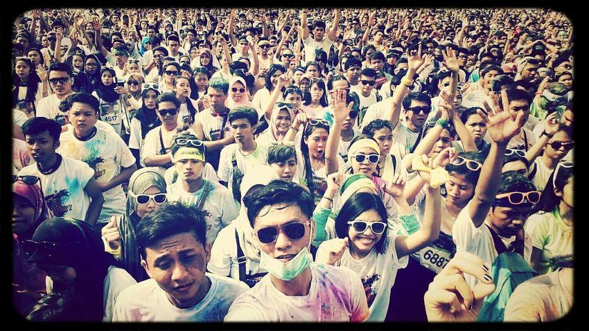 Run and colour party Surabaya.. Having Fun Party Together