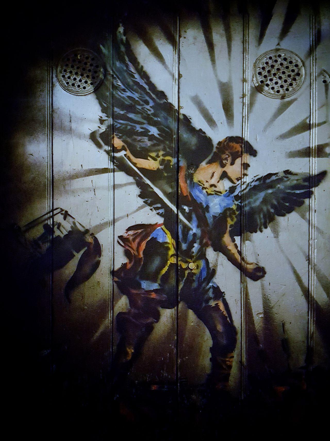 Arcangel Gabriel fighting, bringing light to the darkness Arcangel Gabriel Miguel Angel Fight Sword Light Faith Draw Dramatic Amazing