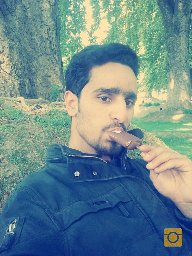 Eating Icecream Relaxing Taking Photos Enjoying Life Hanging Out No Words!! Just A Photo Enjoying The View Lovely Weather Peaceful Evening