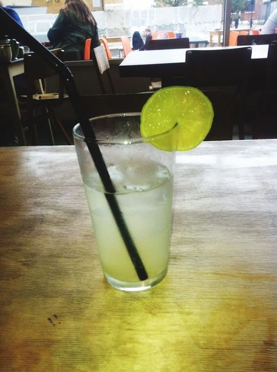 Lime and lemon Cleandrinking