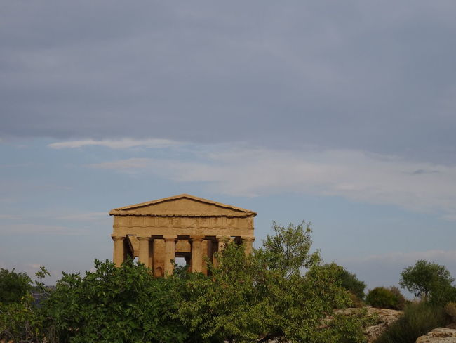 Past never fades away Agrigento Architecture Beauty In Nature EyeEm Italy Eyeem Photography Idyllic Low Angle View Sicily Sky Tranquil Scene Valle Dei Templi