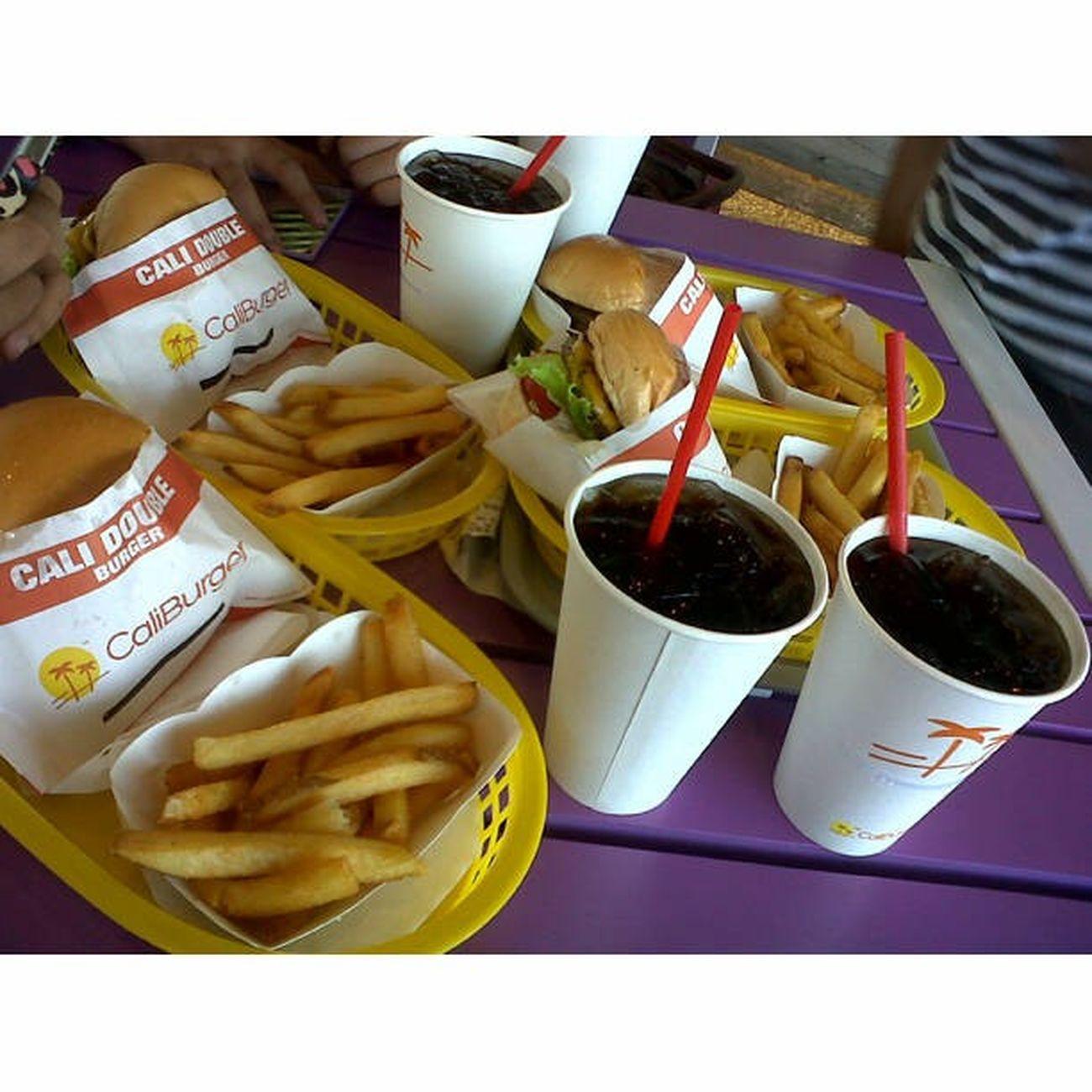 yum-meh!!! Caliburger