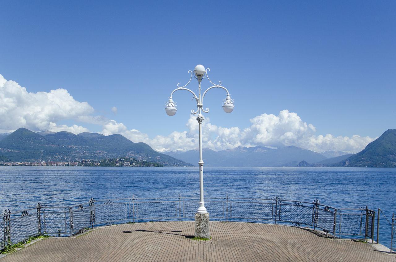 Italy Lago Lago Maggiore Lago Maggiore, Italy Lake Lake Front Lake View Lamp Lampione Landscape Lungolago Lungolago Stresa Natura Nature Nature Photography Stresa Travel Travel Destinations