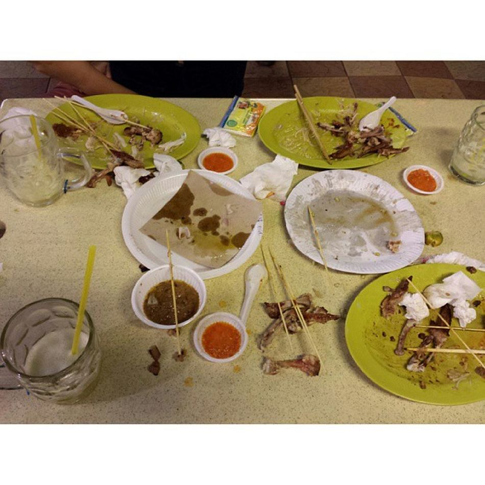 We are very bad in keeping the table tidy when eating. Hawker Food