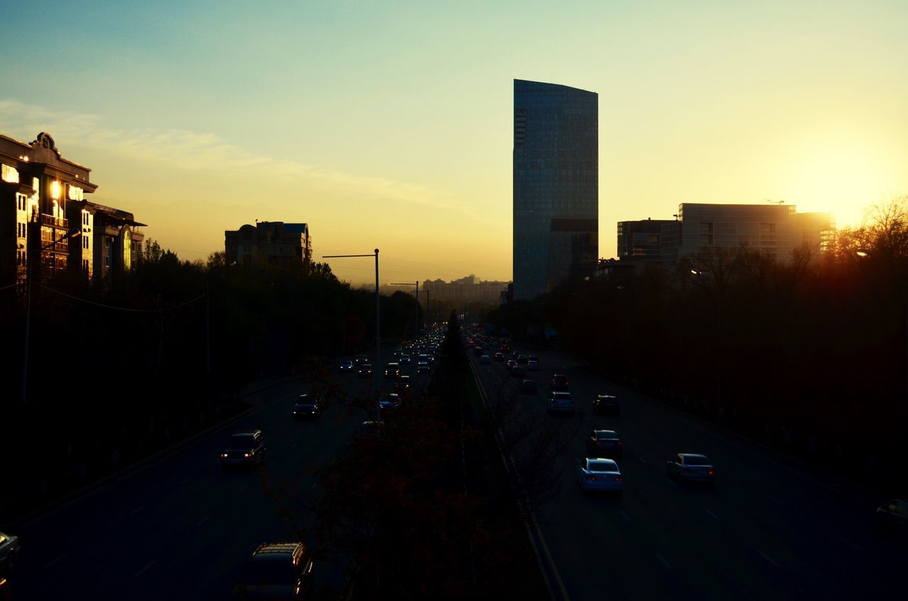 Sunset in Almaty . Закат в алматы . Есентай Esentai Tower