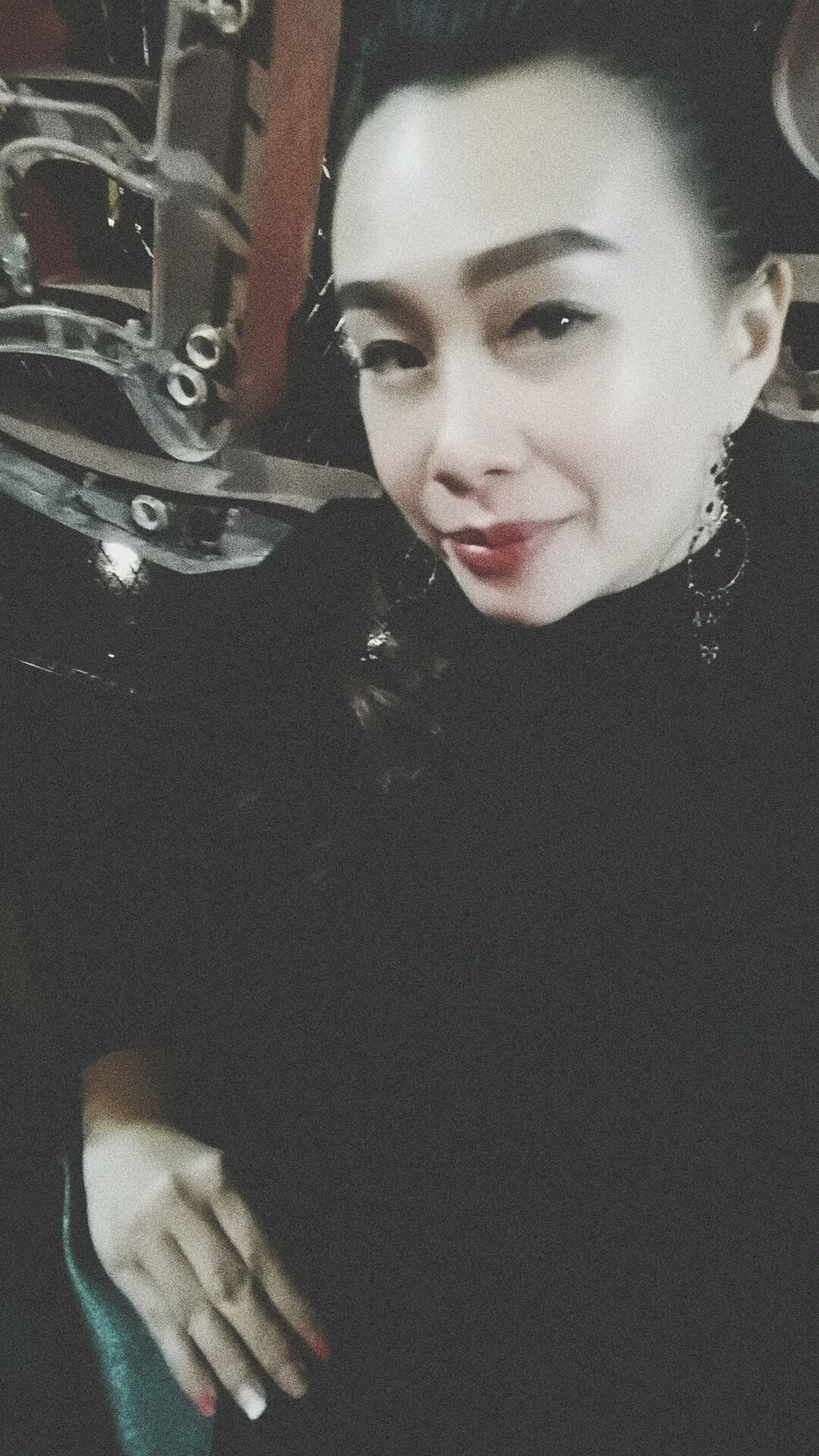 Looking At Camera Beautiful Woman Asian Beauty Faces Of EyeEm Friday ✌ Black My Fav Color