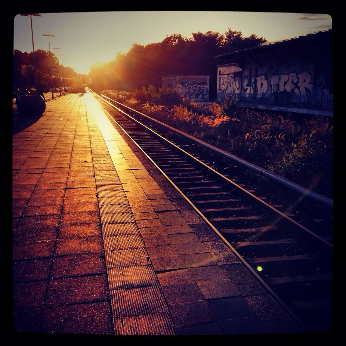 sundown at sbahn griebnitzsee
